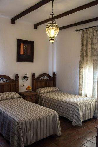 Hotel Pictures: , Hinojales
