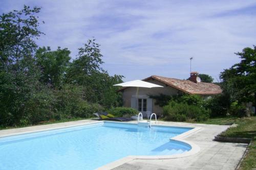 Hotel Pictures: Villa in Saint Sulpice De Roumagnac, Siorac-de-Ribérac