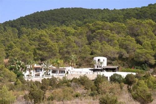 Hotel Pictures: Villa in Cala D Hort II, Es Cubells