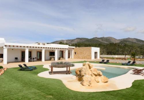 Hotel Pictures: Villa in Sant Joan De Labritja IV, Sant Llorenç de Balafia
