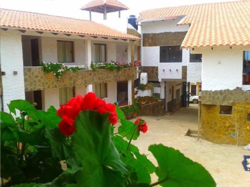 Hotel Pictures: Plaza Pueblo Hotel, Vallegrande