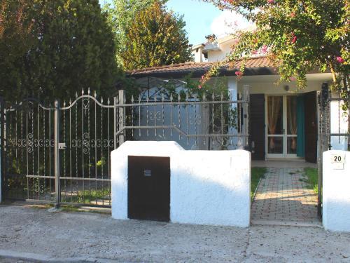 Two-Bedroom Holiday Home Lido Di Pomposa-Lido Degli Scacch Ferrara 2