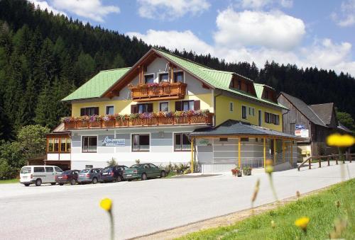 ホテル写真: Gasthof Spengerwirt, Hirschegg Rein