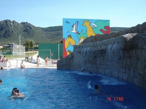 Hotel Pictures: Camping Iratxe Ciudad de Vacaciones, Ayegui