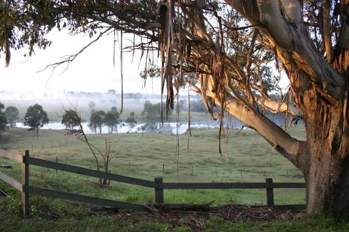 Hotel Pictures: Mulgoa Valley Guesthouse, Wallacia