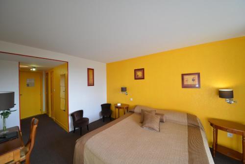 Hotel Pictures: , Montluçon