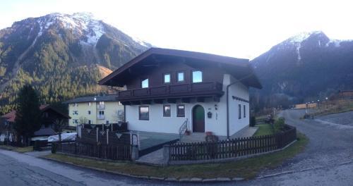 Fotos del hotel: Landhaus Vier Jahreszeiten, Krimml