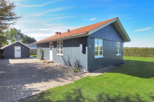 Hotel Pictures: Holiday home Otterup 726 with Terrace, Tørresø