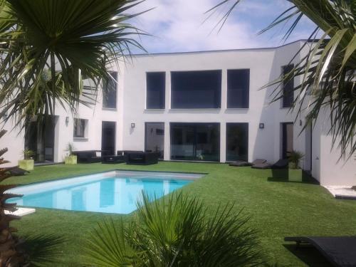 Hotel Pictures: Villa Des Cortaderias, Le Grau-d'Agde