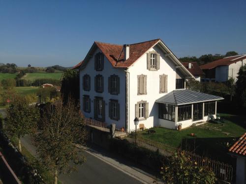 Hotel Pictures: Chalet Elisa Chambre d'Hôtes, Sare
