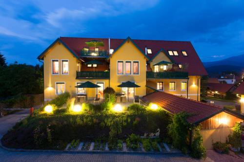 Fotografie hotelů: Komfort Appartements Zirbenland, Weißkirchen in Steiermark