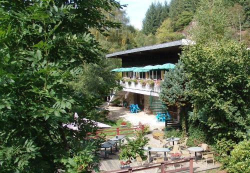 Hotel Pictures: Chalet du Montal, Dun-les-Places