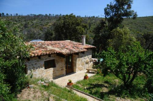 Hotel Pictures: Mas Seguilla, Cistella