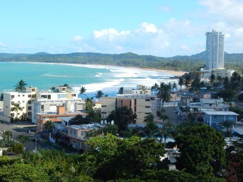 Apartamento playa azul 1005 luquillo for Apartamentos playa azul