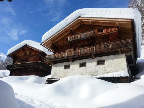 Fotos del hotel: Alfenalm - Ferienwohnungen am Berg - Almhütte Alfen, Innervillgraten