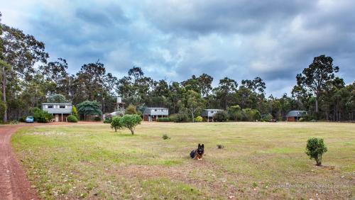 Hotellbilder: Margaret River Stone Cottages, Forest Grove