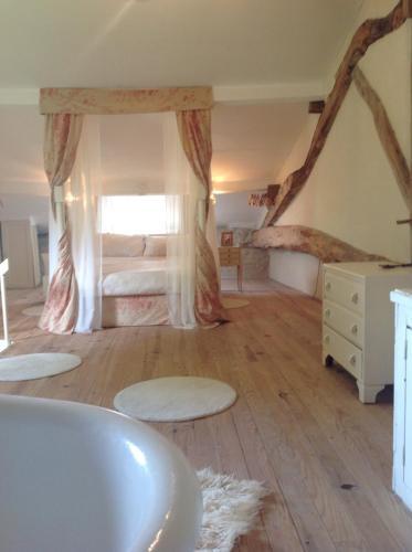 Hotel Pictures: , Bouteilles-Saint-Sébastien