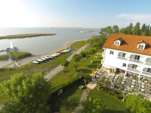 Foto Hotel: Seehotel Herlinde, Podersdorf am See