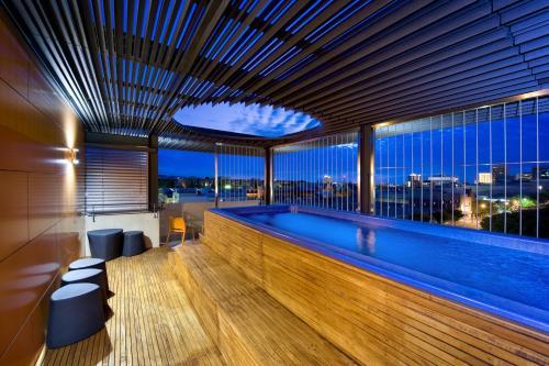 Adelaide royal coach r servation gratuite sur viamichelin for 108 north terrace adelaide sa 5000