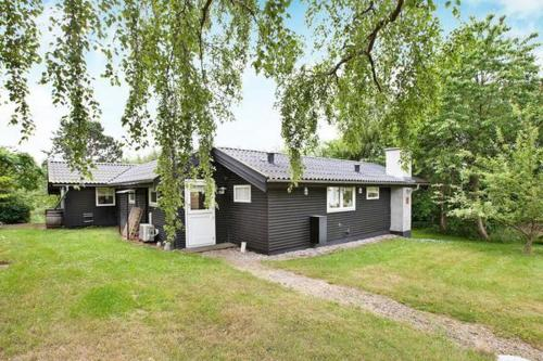 Hotel Pictures: Three-Bedroom Holiday home in Vejby 9, Vejby