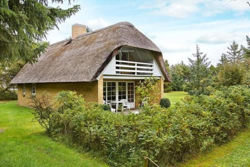 Hotel Pictures: Four-Bedroom Holiday home in Ulfborg 18, Sundhuse