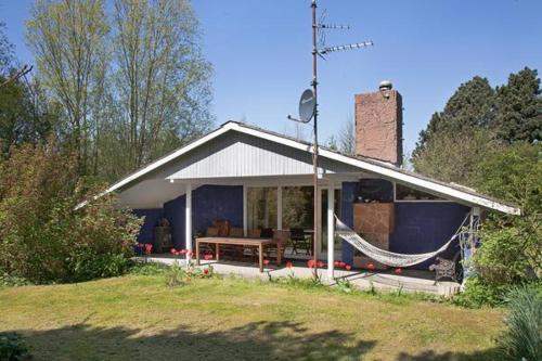 Hotel Pictures: Four-Bedroom Holiday home in Nakskov 2, Kappel
