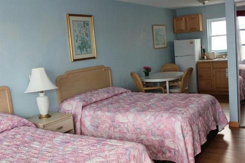 Chateau Bleu Motel