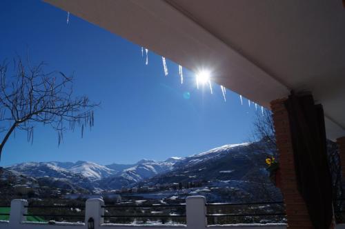 Hotel Pictures: , Güéjar-Sierra
