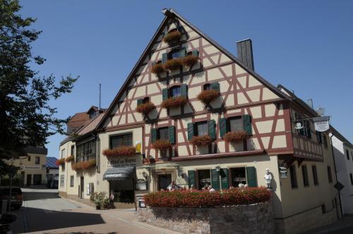 Hotel Pictures: Gasthof Zur Krone, Mitteleschenbach