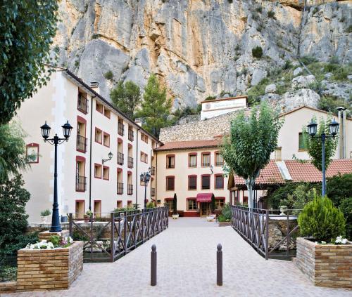 Hotel Pictures: Hotel Balneario de La Virgen, Jaraba