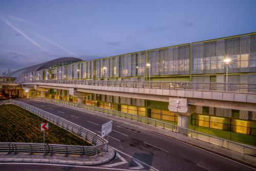 فندق مطار تاف إزمير