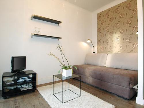La ruche turismo vanves viamichelin for Appart hotel 75015