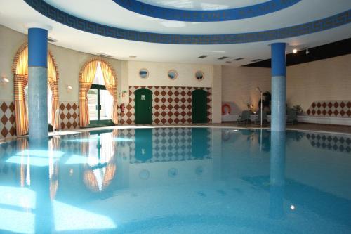 Hotel Pictures: , Arroyo de la Encomienda