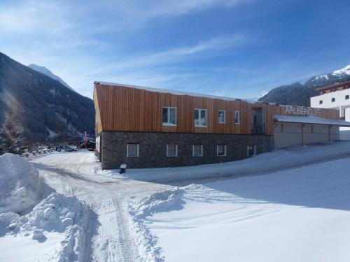 Hotelbilleder: Arlberglife Apartments, Pettneu am Arlberg