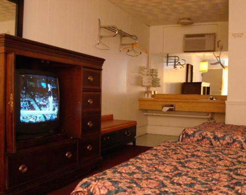 Gray Plaza Motel Review