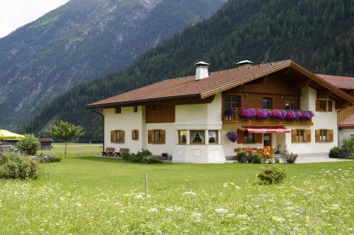 Fotografie hotelů: Haus Gaby, Holzgau