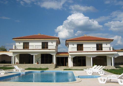 Hotel Pictures: Green Comfort Villa, Vinitsa