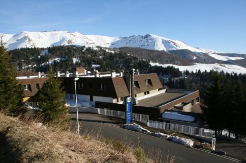 Hotel Pictures: VVF Villages Le Grand Lioran, Saint-Jacques-des-Blats