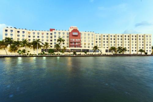 Hotel Pictures: Ramada Princess Hotel and Casino, Belize City