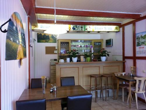 Hotel Pictures: Asia Bistro Kinh Do - Pension, Oker