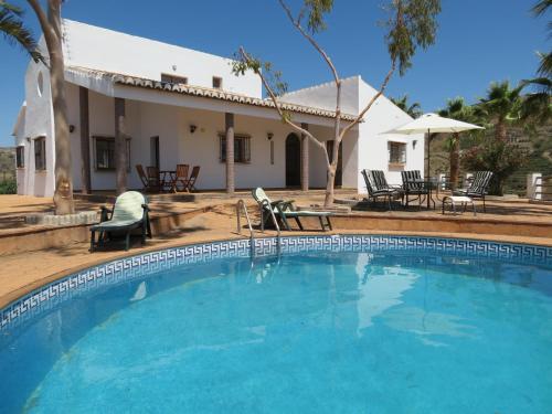 Hotel Pictures: Villa Triana, Atalayas