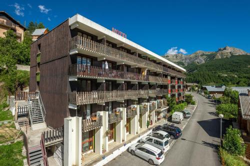 Hotel Pictures: Hotel Plein Soleil, Allos