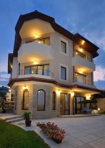 Hotellbilder: Guest House Hubava Kushta, Hisarya