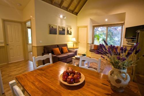 Fotos de l'hotel: Autumn Abode Cottages, Bright