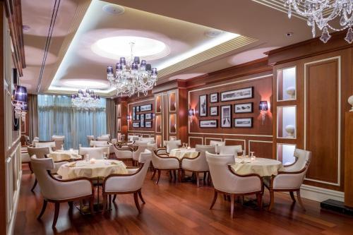 hotels vandoeuvres hotel reserveren in vandoeuvres viamichelin. Black Bedroom Furniture Sets. Home Design Ideas