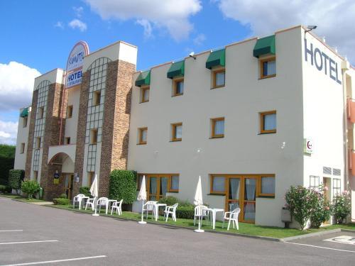 Hotel Pictures: , Épône