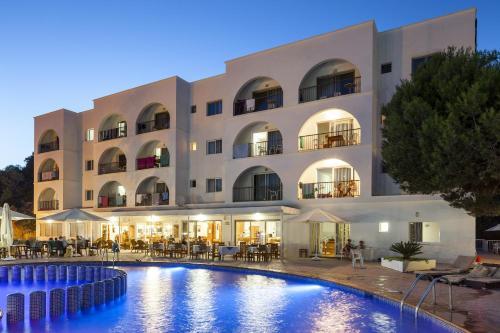 Aparthotel Puerto Cala Vadella
