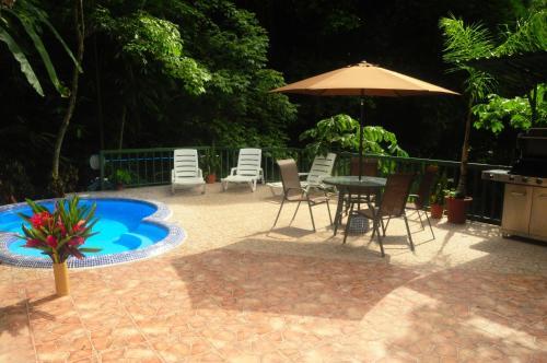 Hotel Pictures: Macaw Villa, Quepos