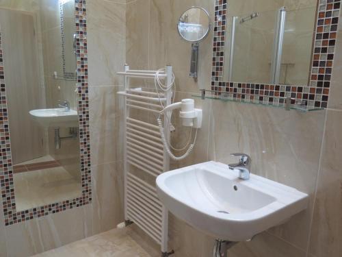 Hotel Pictures: , Karviná