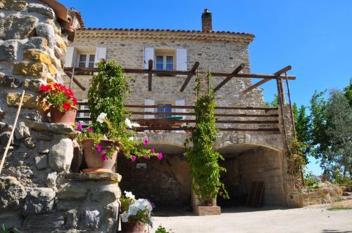 Hotel Pictures: Mas des Oliviers, Saint-Martin-de-Valgalgues